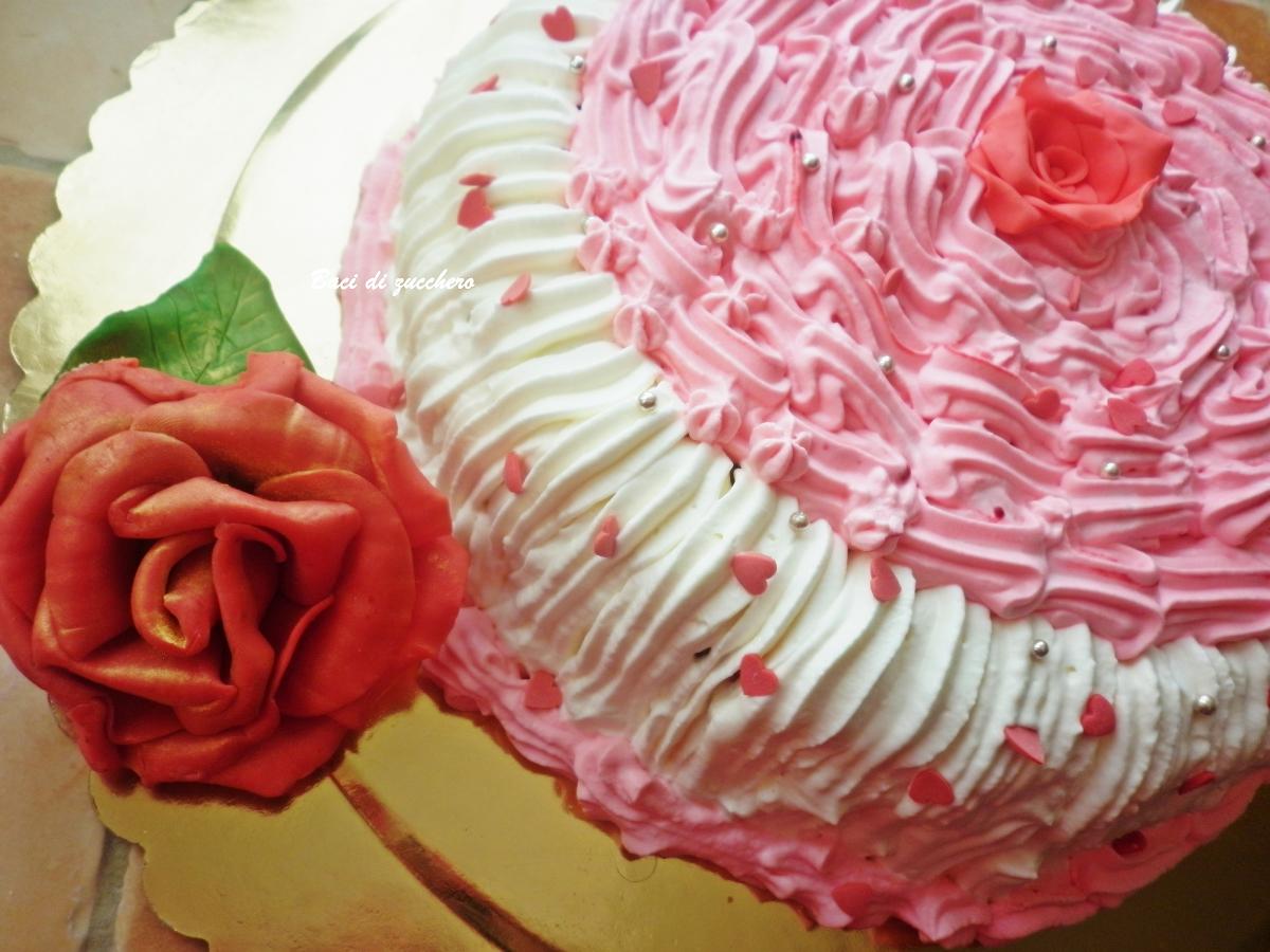 Torta con Rose Pasta di Zucchero